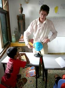 Volunteers teaching in Cambodia