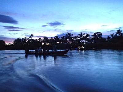 Volunteers enjoying a perfect evening in Fiji
