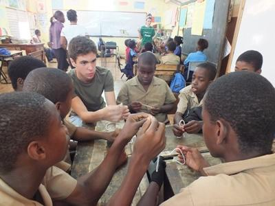 Projects Abroad volunteer doing a group activity
