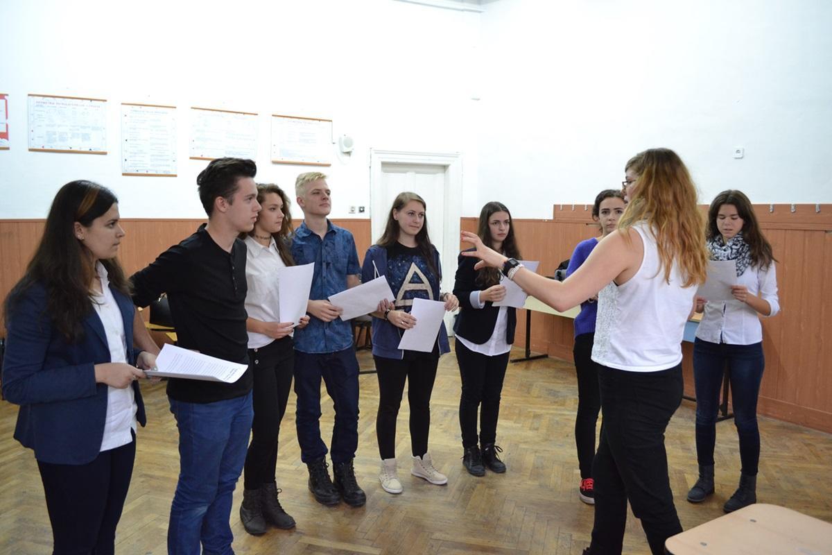 Drama Project Volunteering in Romania: Volunteer in Romania