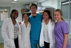 A group of medicine students spend time shadowing doctors and assisting to earn credit for their Medicine Elective in Argentina.