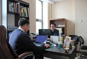A human rights lawyer and an intern conduct research together at our volunteer placement in Mongolia.