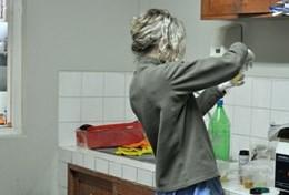 A qualified dietician prepares a healthy meal as part of a nutrition workshop at her volunteer placement in Peru.