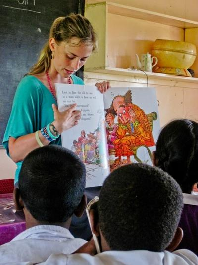 A Projects Abroad volunteer teaching English in a classroom in Fiji